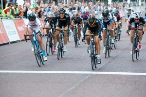 Laura Trott & Hannah Barnes sprint finish, Prudential RideLondon Grand Prix. Saturday 3 August 2013.