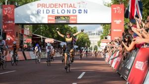 Giorgia Bronzini wins the Prudential RideLondon, Grand Prix – pro women's criterium race on The Mall, London. 9 August 2014