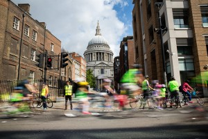 Prudential RideLondon, Freecycle passes St Pauls cathedral. 9 August 2014
