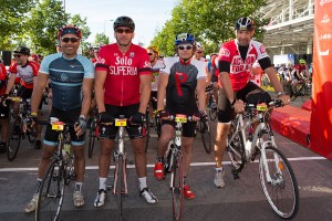 Leon Lloyd, Martin Johnson and Simon Shaw at the start of the Prudential RideLondon 100 mile amateur sportive. Queen Elizabeth Olympic Park, ahead of Sunday 2 August 2015. Photographer: Stuart Stevenson