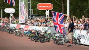 The 10th Brompton World Championship race, held in central London, Saturday 1 August 2015. Photographer: Stuart Stevenson